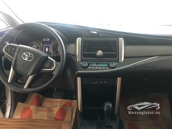 Nội thất xe Toyota Innova 2.0E 2018