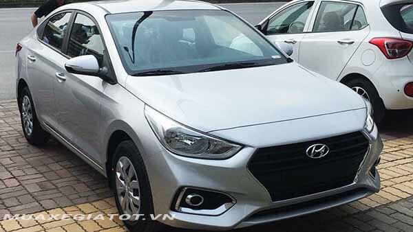 hyundai accent 2018 14 mt base muaxegiatot vn - So sánh Toyota Vios 1.5E MT và Hyundai Accent 1.4 MT số sàn - Muaxegiatot.vn