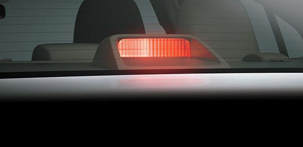 den phanh vios e muaxegiatot vn - An toàn và tiện nghi hơn với Toyota Vios 1.5E (MT và CVT) - Muaxegiatot.vn