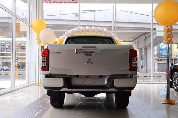 duoi xe mitsubishi triton 2019 muaxegiatot vn 6 - Mitsubishi Triton 2021: Bảng giá, Thông tin xe & Khuyến Mãi! - Muaxegiatot.vn