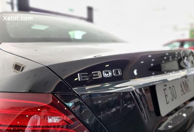 """can sau xe mercedes e300 amg 2020 muaxegiatot vn - Đánh giá Mercedes E300 AMG 2021, Sedan hạng sang mang """"dòng máu"""" thể thao - Muaxegiatot.vn"""